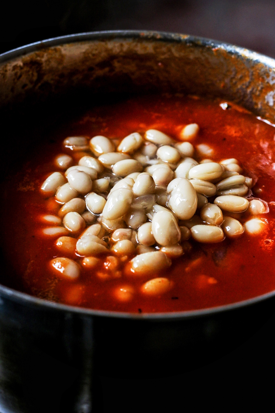 Baked beans close up (1)